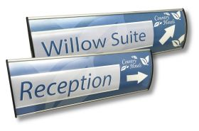 100x400mm Directional Curved Contemporary Sign System with insert
